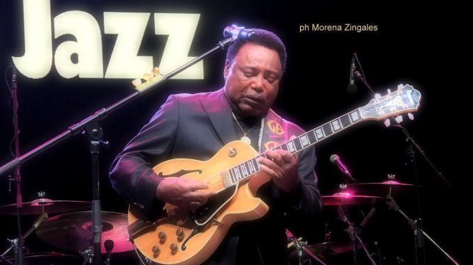 George Benson, un grande chitarrista e cantante all'arena di Umbria Jazz