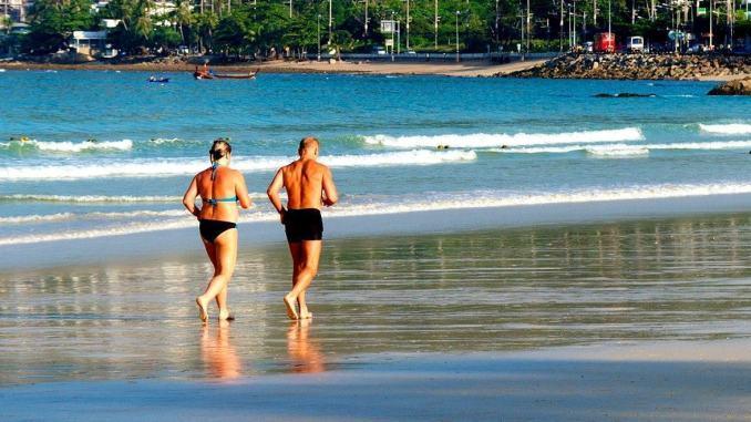 Anziani, troppi farmaci e poca attenzione ad attività fisica e alimentazione