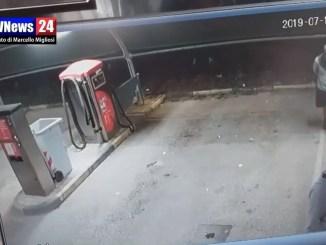Bastia Umbra, raffica di furti, video inquietante gira in rete  Video