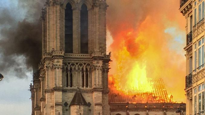 Incendio Notre Dame sindaco Parigi scrive a sindaco di Umbertide, grazie per solidarietà