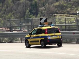 """Chiusura strada statale 3 """"Via Flaminia"""", controlli a un viadotto"""