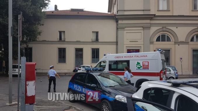 Malore, probabile overdose a Fontivegge, salvato in extremis rifiuta ricovero