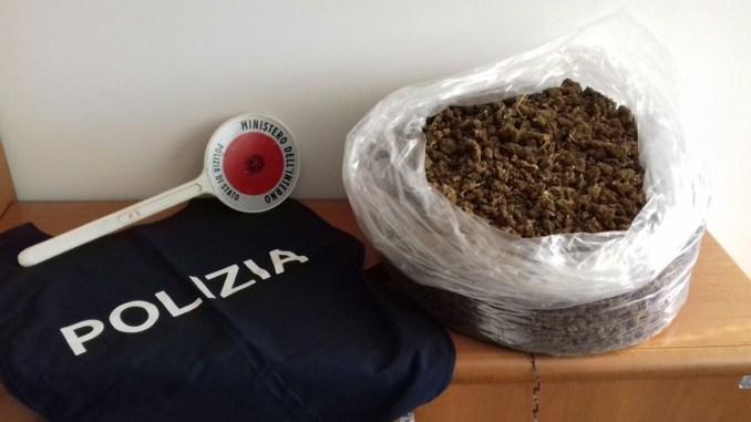 Due stranieri arrestati dalla polizia, avevano 2 chili di marijuana