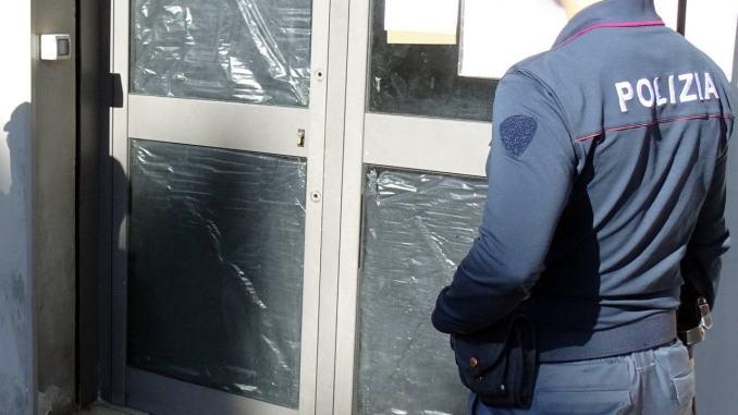Locale ricettacolo di violenti, ladri e spacciatori: chiuso dalla polizia