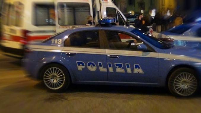 Precipita dal terzo piano a Foligno, muore donna, indaga la polizia