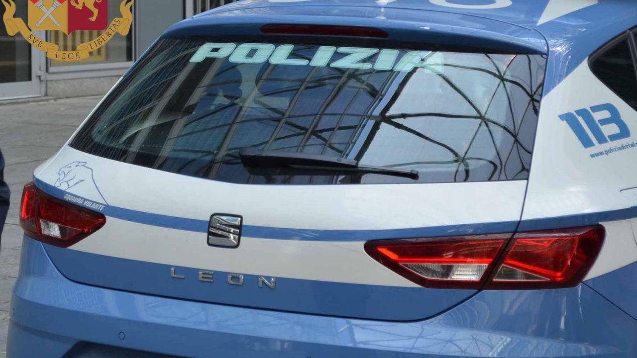 Agente di polizia, squadra mobile, aggredito ha ricevuto una coltellata