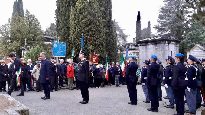 Commemorazione dei defunti, sindaco e autorità in visita al cimitero monumentale