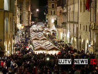 Centro storico e ristoro all'aperto Dehors e Perugia viva tutto l'anno
