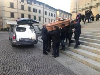 L'ultimo viaggio, addio a Mamma Coraggio, i funerali di Silvana Benigno
