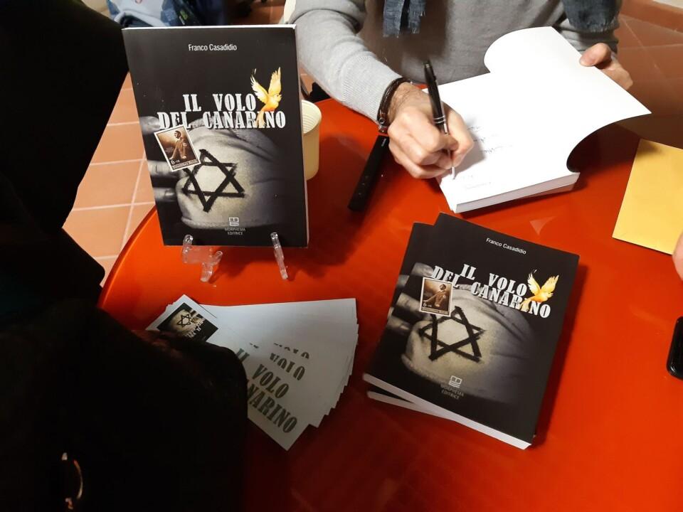 """Giorno della Memoria libro """"Il Volo del Canarino"""" di Franco Casadidio"""