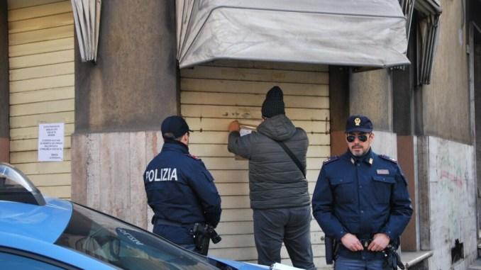 Ubriachi, pregiudicati e violenti, locale chiuso dalla polizia di Stato