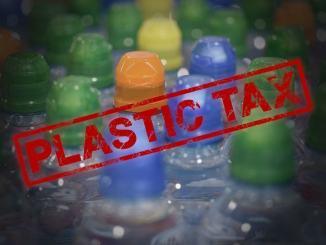 Plastic tax tassa iniqua e non si tutela ambiente strangolando imprese