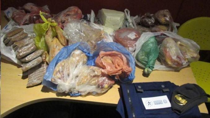 Aeroporto Perugia, sequestrati 60 kg di alimenti provenienti da Tirana