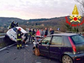 """Incidente con feriti sul Raccordo RA6 """"Perugia Bettolle"""" due auto coinvolte"""