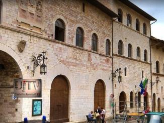 Dipendente infedele di Assisi, non dovrà più pagare 6 mensilità, condanna scontata