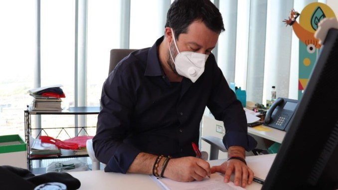 Governo, Salvini, basta perdere tempo, centrodestra pronto, si voti!