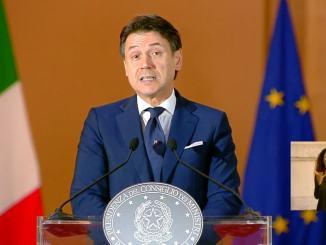 L'Italia precipita ma il Governo non cade mai, un presidente mai eletto