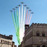 Le Frecce Tricolori della Pattuglia acrobatica nazionale sorvolano il cielo di Perugia 📸