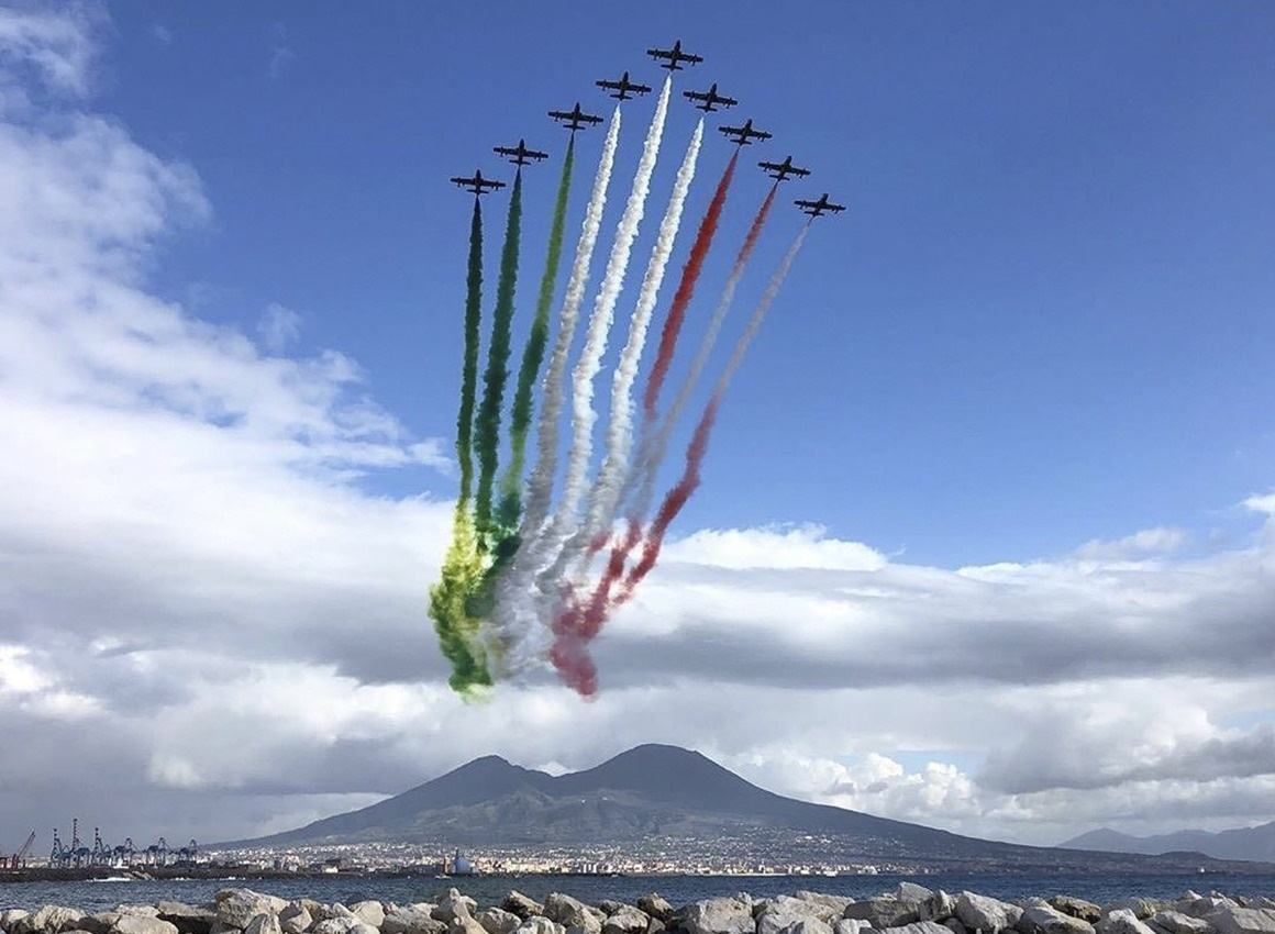 2 Giugno, giro d'Italia delle Frecce Tricolori, a Perugia il 26 maggio