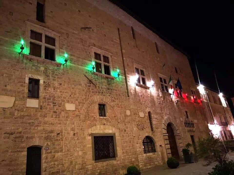 Anci Umbria onora la Festa della Repubblica, messaggio di De Rebotti