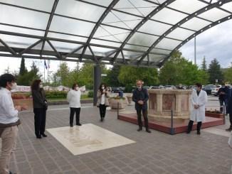 """Primo maggio in ospedale con il sindaco Romizi: """"Grazie per il lavoro che fate e per come lo fate"""""""