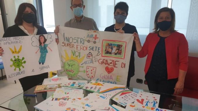 300 disegni di bambini delle scuole di infanzia donati all'ospedale di Perugia