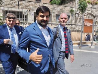 Firenze smonta il Palamara-gate L'ex pm ora diventa «parte offesa»