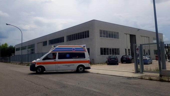 Incidente sul lavoro in una azienda ternana, ferito un uomo di 50 anni