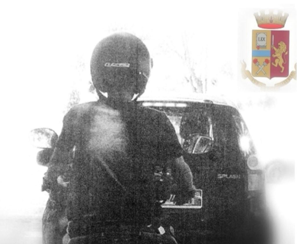 Riconosce il proprio scooter rubatogli due giorni prima, denunciato straniero