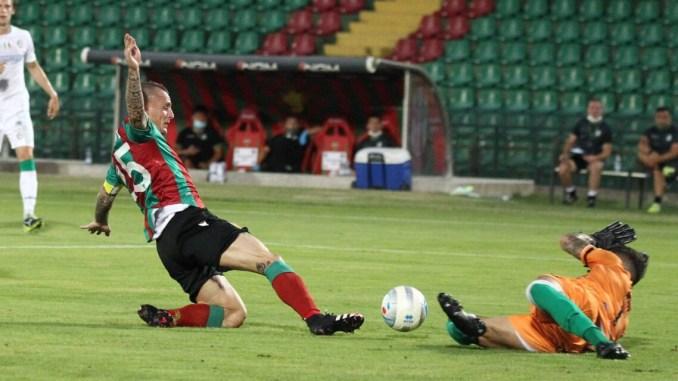 Ternana-Avellino 0-0, le Fere superano il primo turno dei play off