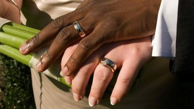 Matrimonio combinato tra donna italiana e uomo marocchino, denunciati!