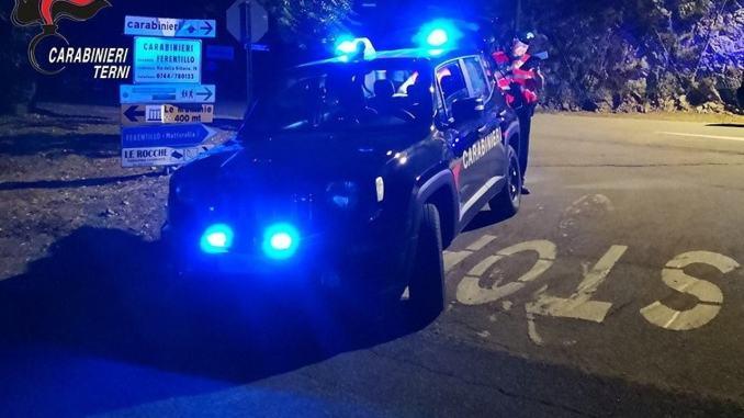 A spasso, ubriaco e armato, con il monopattino elettrico, denunciato dai Carabinieri