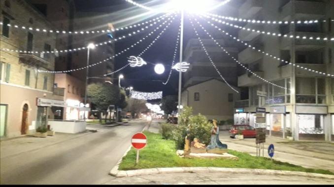 Grazie a Fratelli d'Italia e giunta Ponte San giovani risplende di luci natalizie