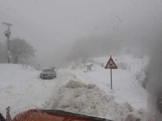 Maltempo, proseguono interventi a Polino per emergenza neve