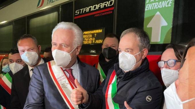 Il treno alta velocità Frecciarossa si è fermato a Terontola, è la prima volta