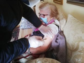 Nonna Faustiana alla soglia dei 104 anni vaccinata