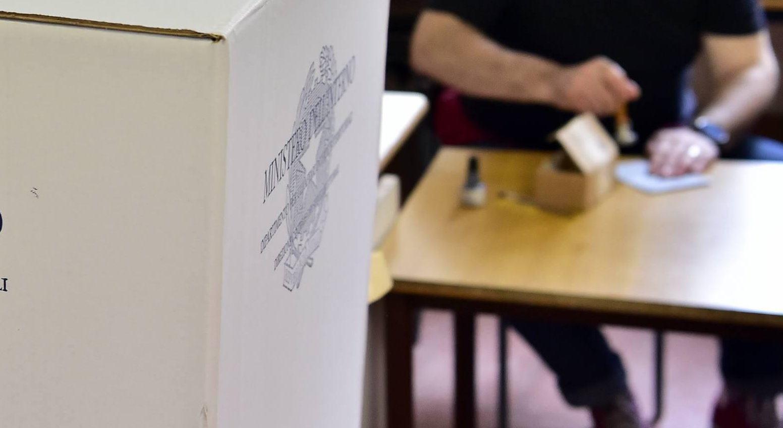 Si vota tra il 15 settembre e il 15 ottobre, decisione Consiglio Ministri