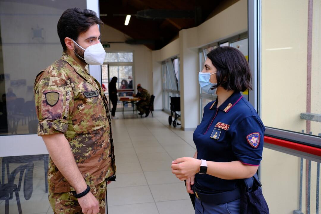 Campagna vaccinazione Covid, in campo Esercito, Polizia di Stato e Carabinieri