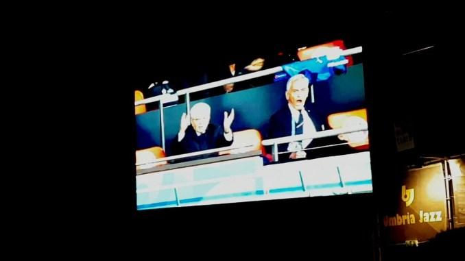 Europei di calcio Mattarella esulta per il gol, i social impazziscono
