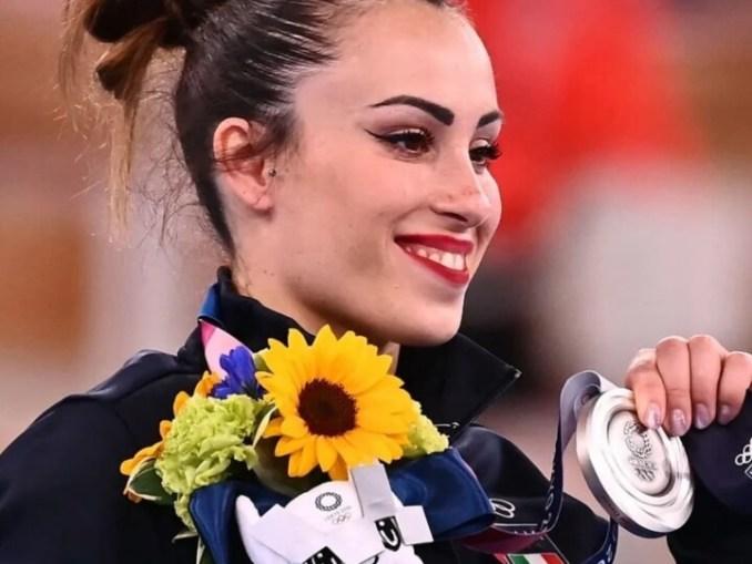 Olimpiadi, Tokyo 2020, Vanessa Ferrari medaglia d'argento nel corpo libero