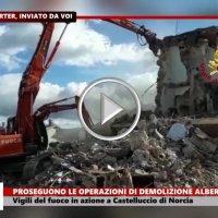 Prosegue lavoro demolizione albergo Sibilla di Castelluccio di Norcia