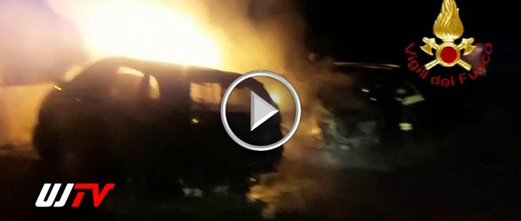 Bastia Umbra, incendio ed esplosione nella notte, distrutte tre auto
