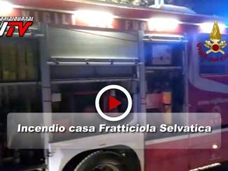 Perugia, Fratticiola Selvatica, incendio abitazione, il video