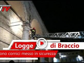 Cadono pezzi dalle Logge di Braccio a Perugia, il video