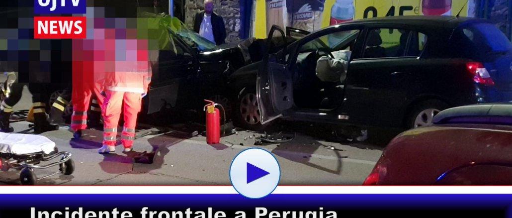 Incidente frontale tra auto a Perugia, un uomo estratto dalle lamiere