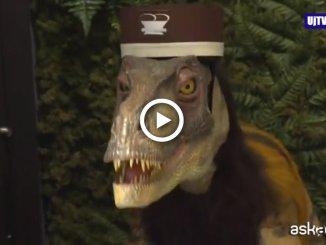 Hotel in Giappone gestito dai robot dinosauri, il video