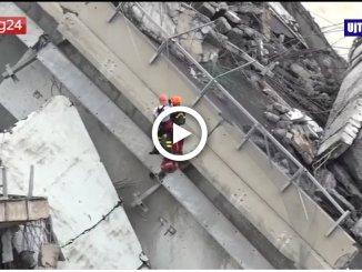 I soccorsi e gli sfollati, la tragedia di Genova dopo il crollo del viadotto Morandi