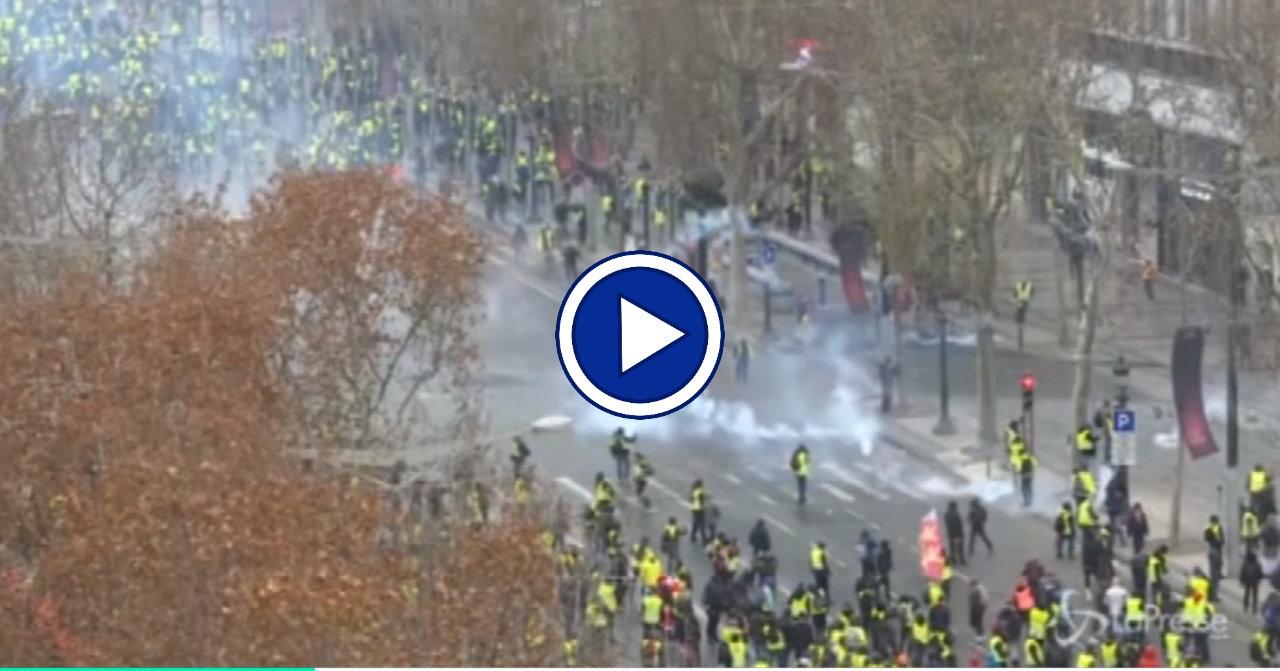Gilet gialli, ancora scontri a Parigi, due persone sono morte