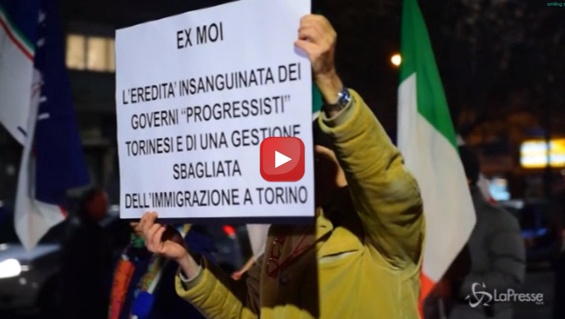 Torino, fiaccolata di Fratelli d'Italia per lo sgombero immediato dell'ex Moi