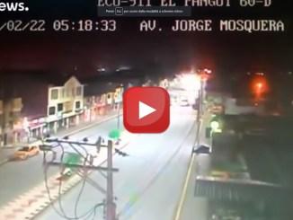 Terremoto di magnitudo 7.5 in Ecuador, a 130 km di profondità video